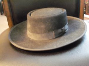 ANTIQUE COWBOY HAT.