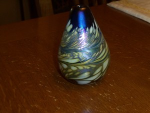 ANTIQUE PULLED FEATHER VASE