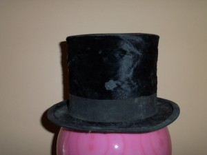 STOVEPIPE 1800'S HAT.